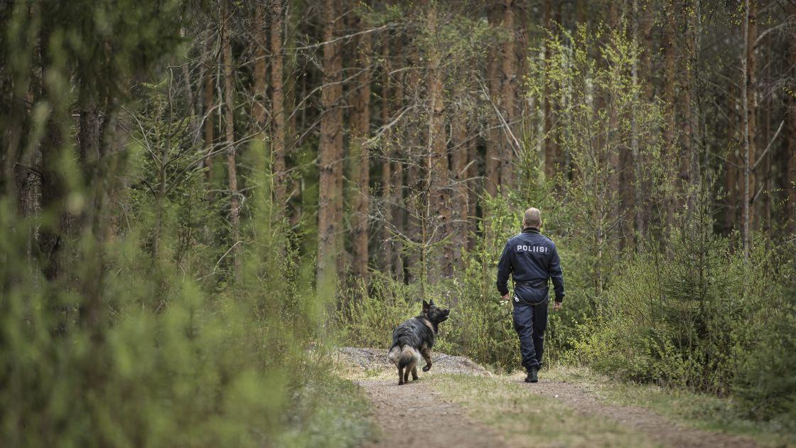 Kaleva: Poliisi alkaa etsiä kadonneita lennokeilla   Yle Uutiset   yle.fi