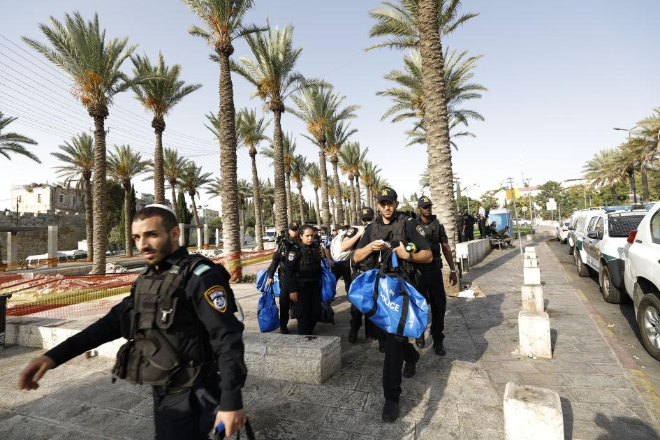 Israel rajoitti muslimimiesten pääsyä pyhälle paikalle Jerusalemissa | Yle Uutiset | yle.fi