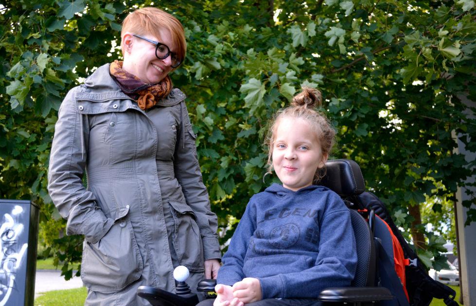 11-vuotiaan pojan yksi lääkeannos maksaa 100000 euroa – Kuka päättää, mihin yhteiskunnalla on varaa?