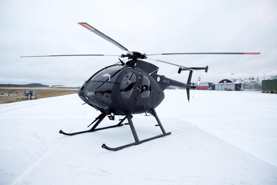 Puolustusvoimien helikopterit maalataan `näkymättömiksi`  nyt testataan, miten...