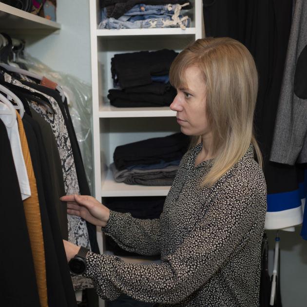 Eveliina Juselius, 30, siirtää joka kuukausi palkastaan 500...