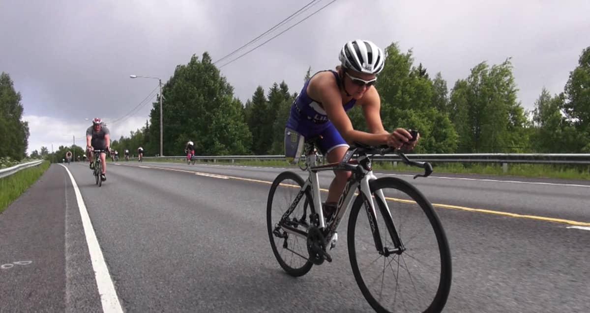 Liisa Lilja Vantaan triathlonissa.