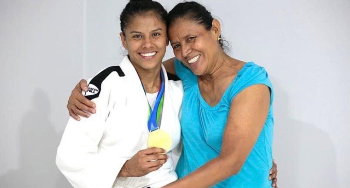 Sayra Laguna ja hänen äitinsä