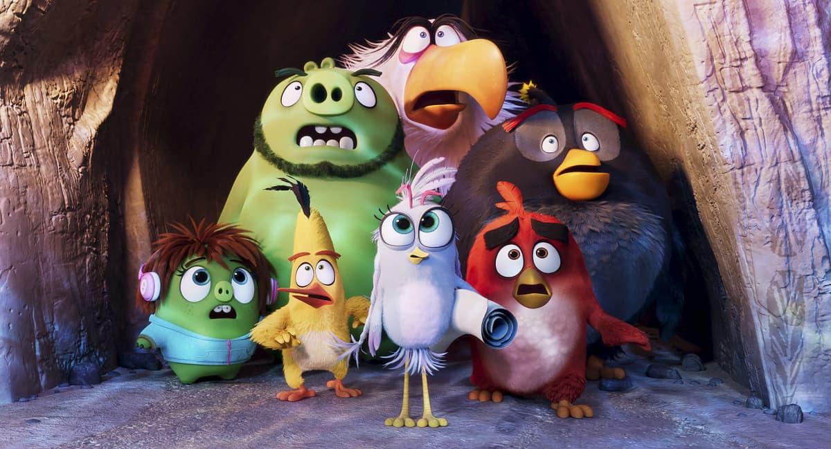 Angry Birds -elokuva 2 - Kuvassa (takana vasemmalta) Leonard, Mahti Kotka ja Pommi, sekä (edessä vasemmalta) Leonardin apulainen Courtney, Sakke, Silver ja Red.