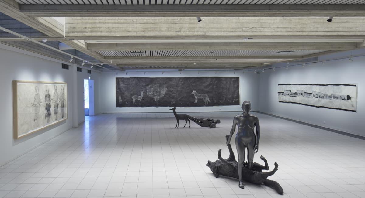 Kiki Smithin näyttely Sara Hildenin taidemuseossa