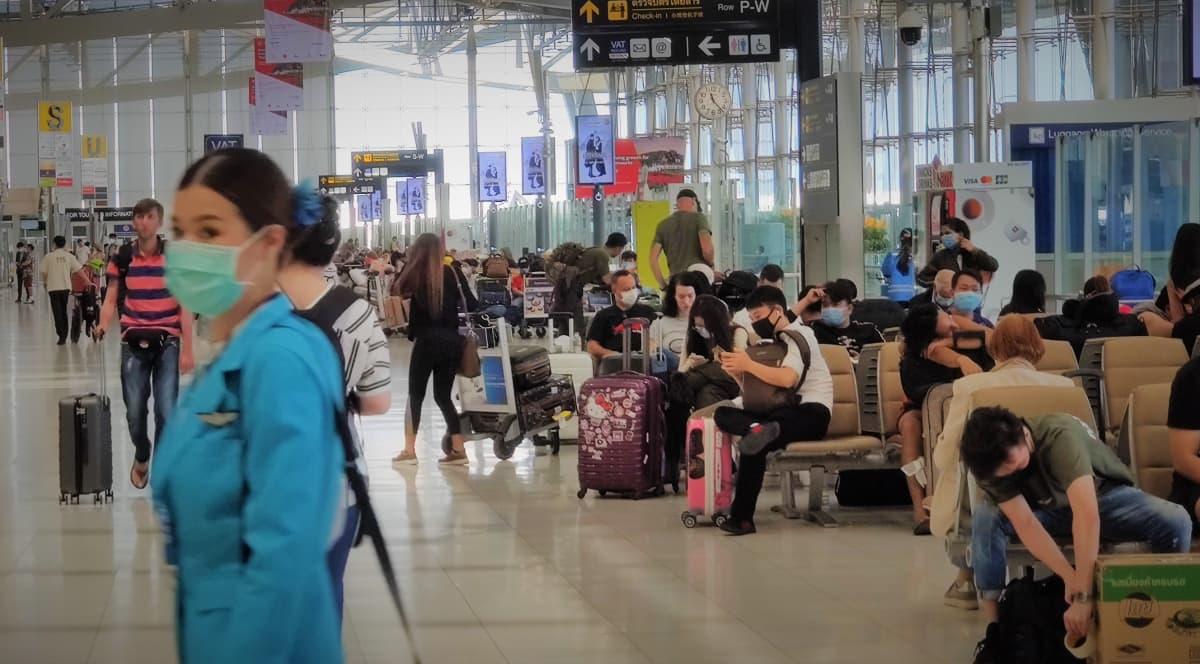 Suwannabhumin kansainvälinen lentoasema Thaimaan pääkaupungissa Bangkokissa maaliskuussa 2020.