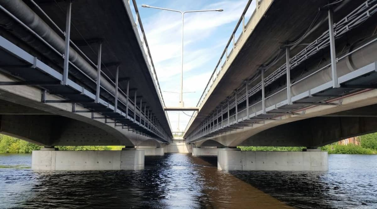 Oulun ylittävät Pohjantien sillat ovat yksi moottoritien ongelmakohta.