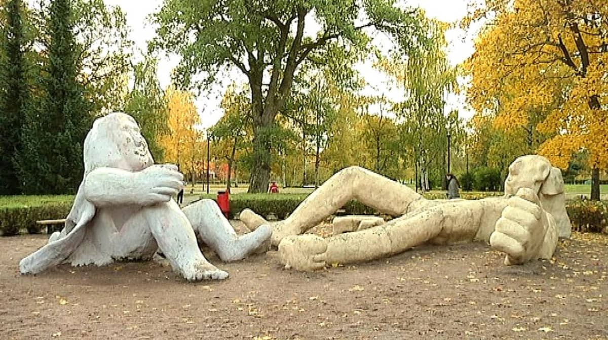 Kupittaan patsaspuisto.