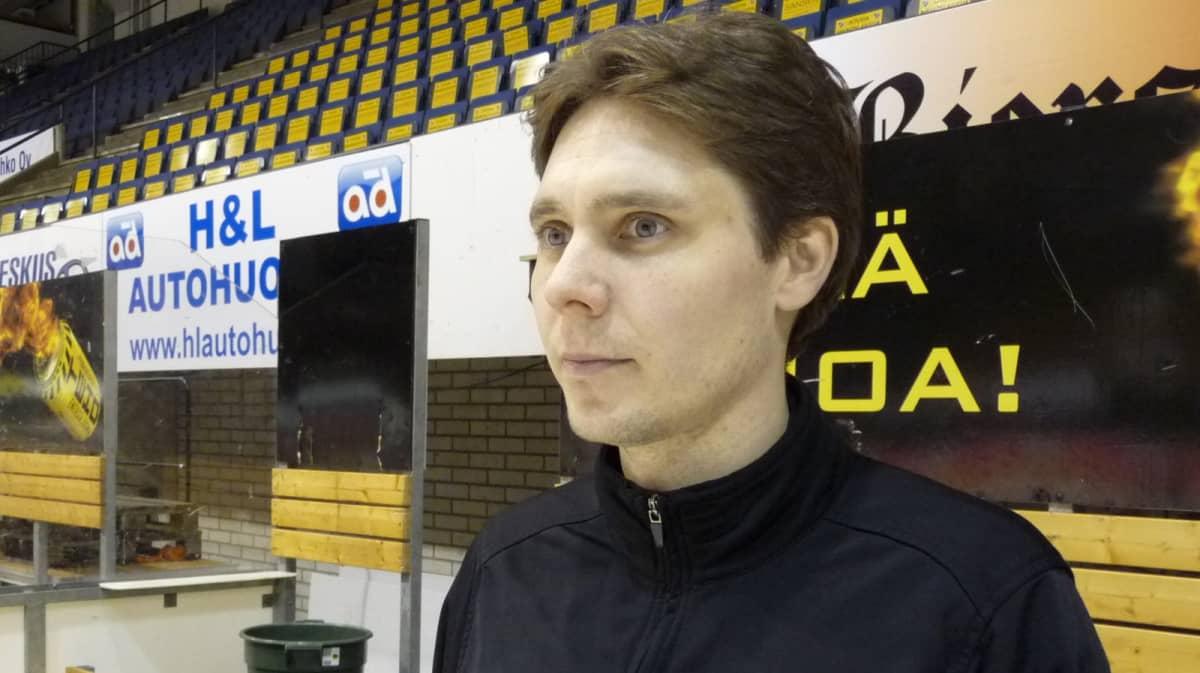 KalPan ensi kauden päävalmentaja Tuomas Tuokkola.