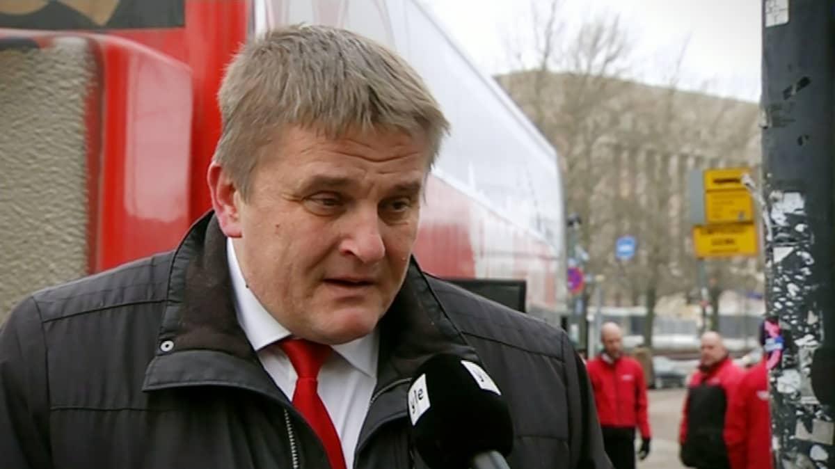Onnibusin toimitusjohtaja Pekka Möttö.