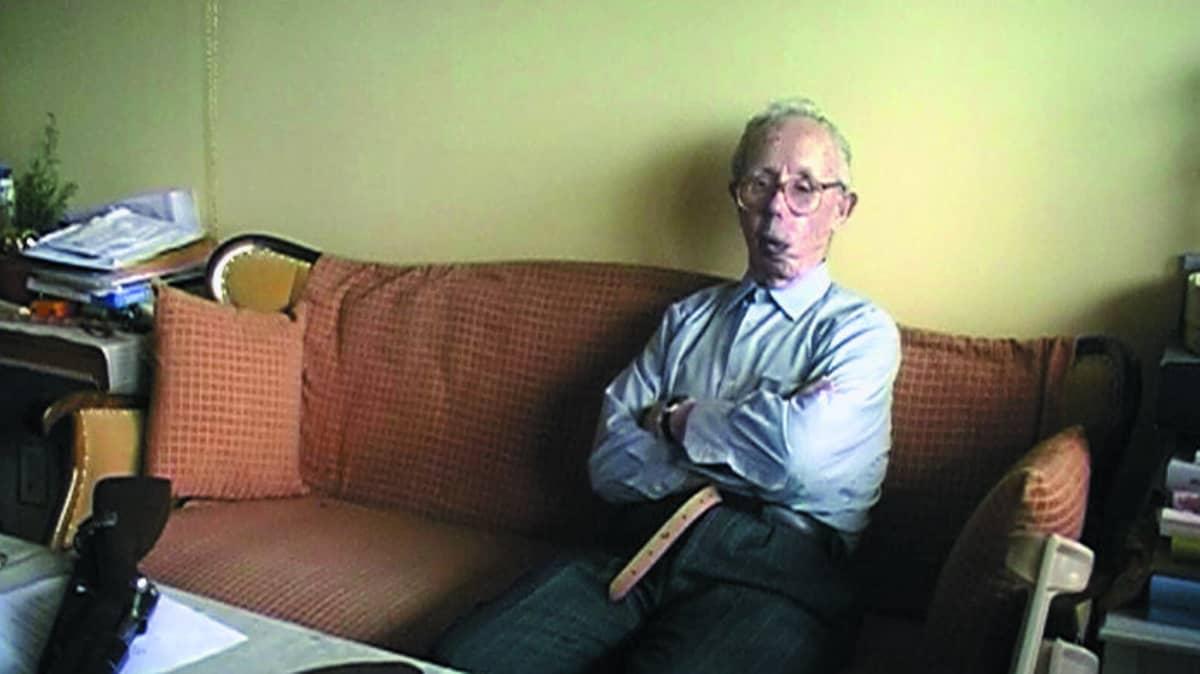 Talvisodan legendaarinen tarkka-ampuja Simo Häyhä asui 1990 Ruokolahdella.