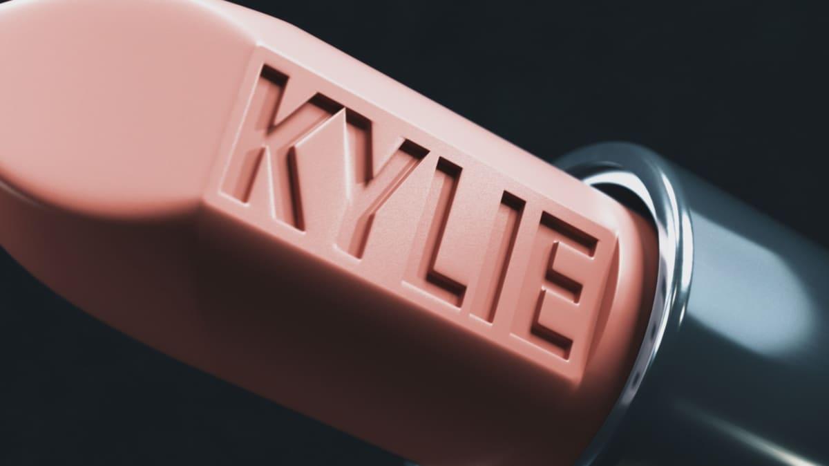 Kylie Jenner, huulipunamainos