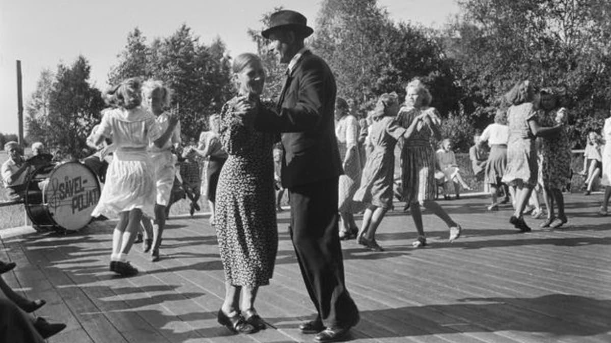 tanssit lavalla