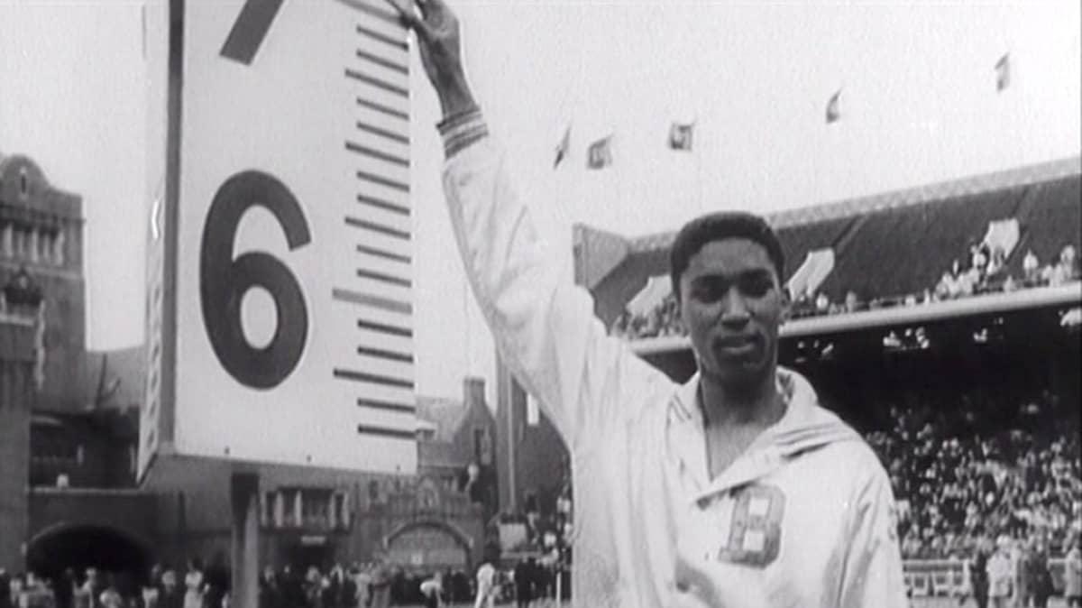 John Thomas Lii-Filmin Urheiluvuosi 1960 -katsauksessa