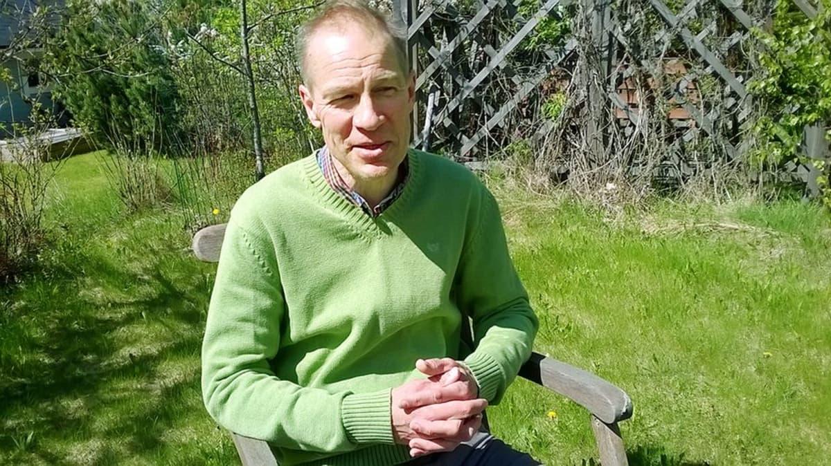 Mikael Fogelholm.