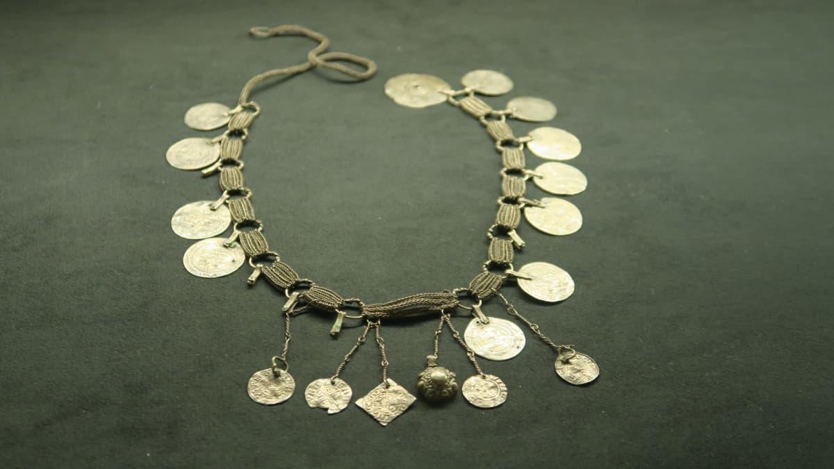 Kaulaketju 1000-luvulta