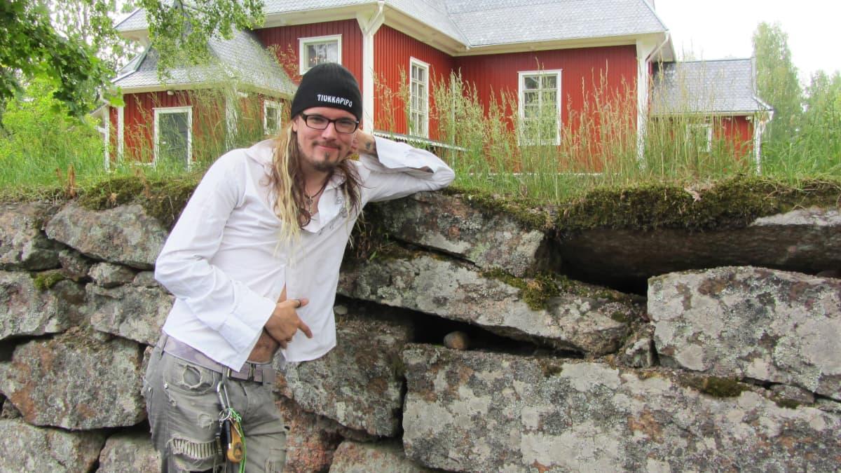Apocalyptica-yhtyeen Perttu Kivilaakso Iitin Musiikkijuhlilla