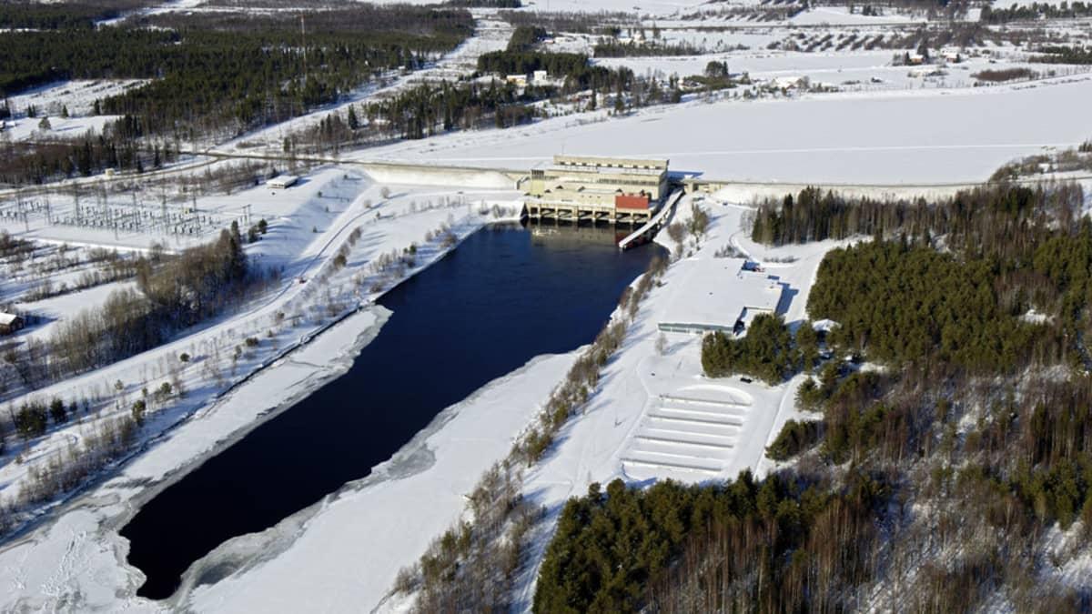Kemijoki Oy:n Ossauskosken voimalaitos.