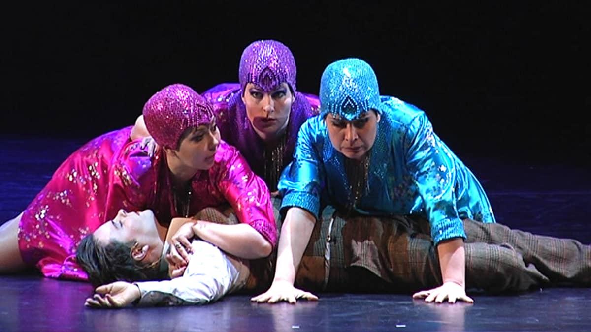 Taikahuilu-oopperan esitys Tampere-Talossa