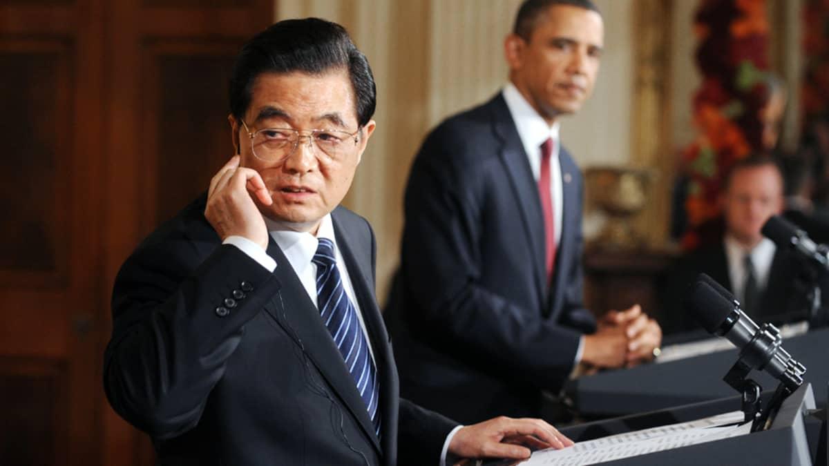 Hu Jintao ja Barack Obama lehdistötilaisuudessa Washingtonissa.