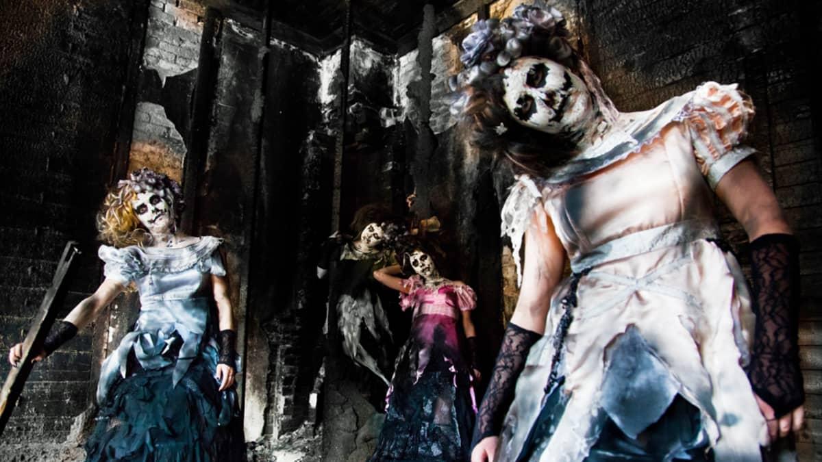 Turun Nuori Teatteri esittää 1827 Infernal Musical -hevimusikaalia.
