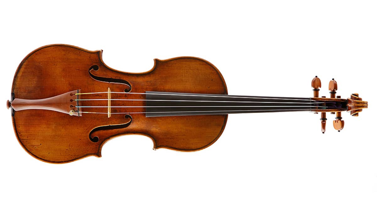 Kapellimestari Paavo Berglundin Stradivari-viulu.