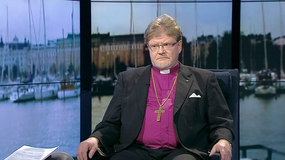 Oulun piispa Samuel Salmi.