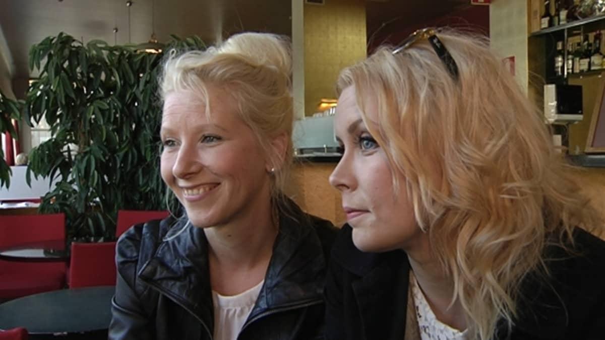 Kuunkuiskaajien Susan Aho ja Johanna Hytti.