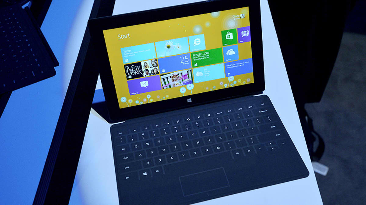 Kannettava tietokone, jossa Windows 8 -käyttöjärjestelmä.