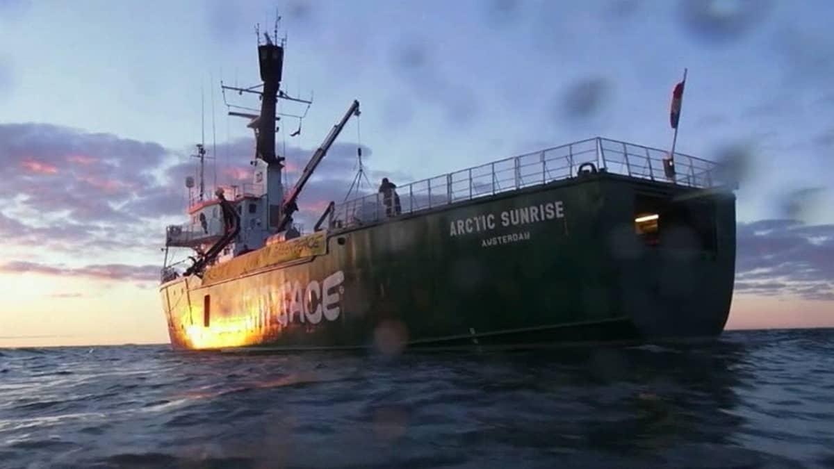 Greenpeacen Arctic Sunrise -alus.