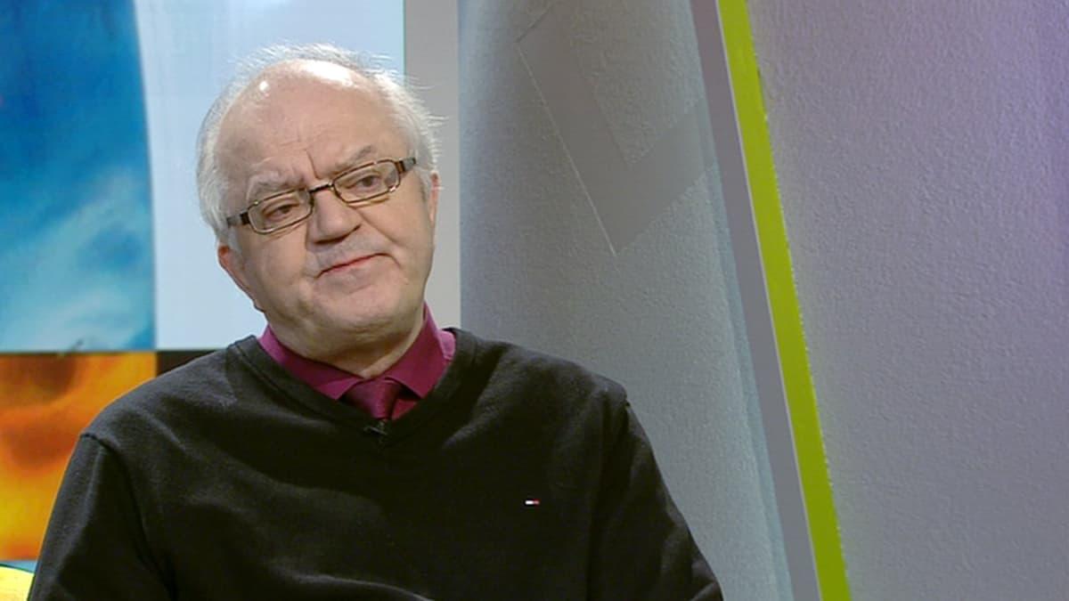 Lastenpsykiatri Jari Sinkkonen.