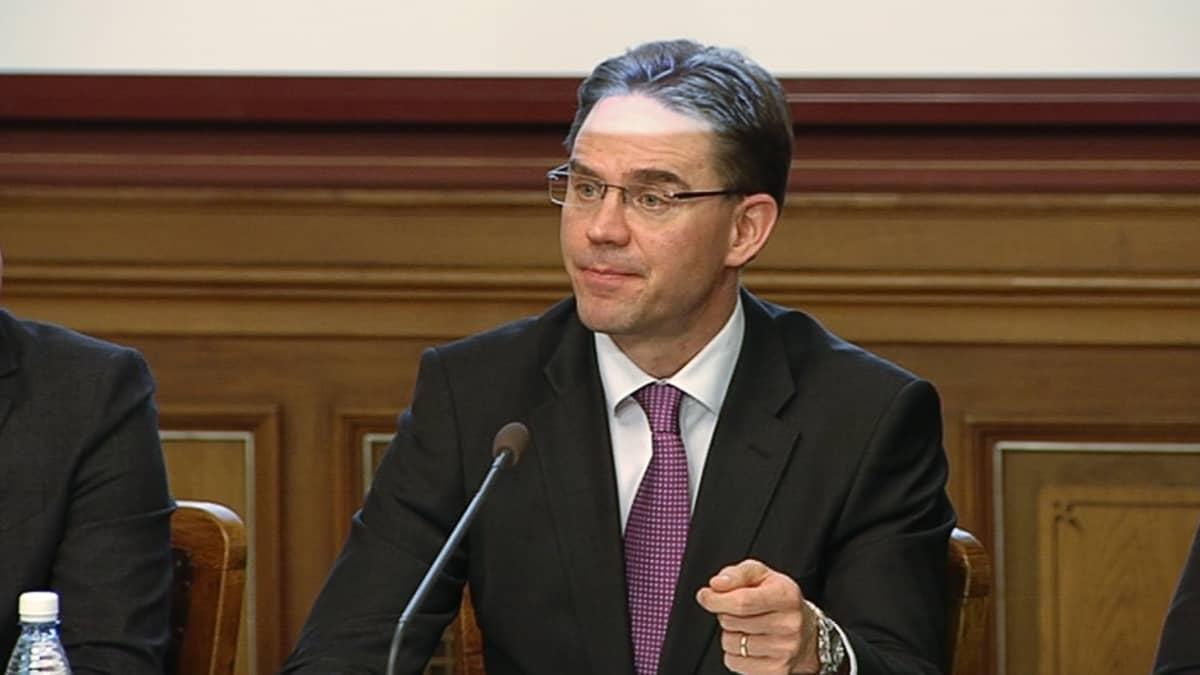 Pääministeri Jyrki Katainen tiedotustilaisuudessa Säätytalolla.
