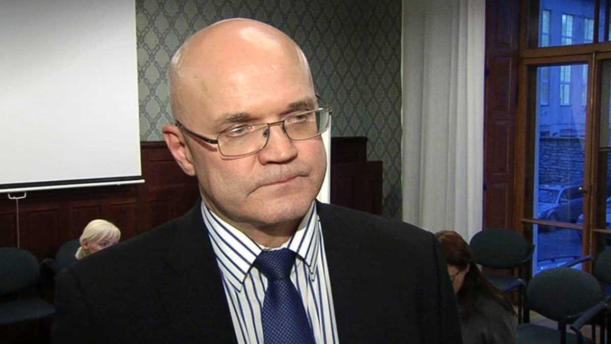 Rikoskomisario Jari Räty.