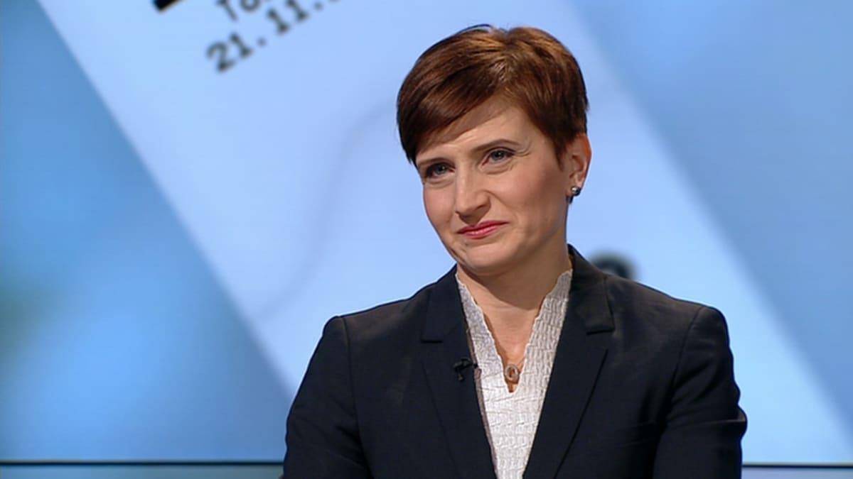 Peruspalveluministeri Susanna Huovinen.