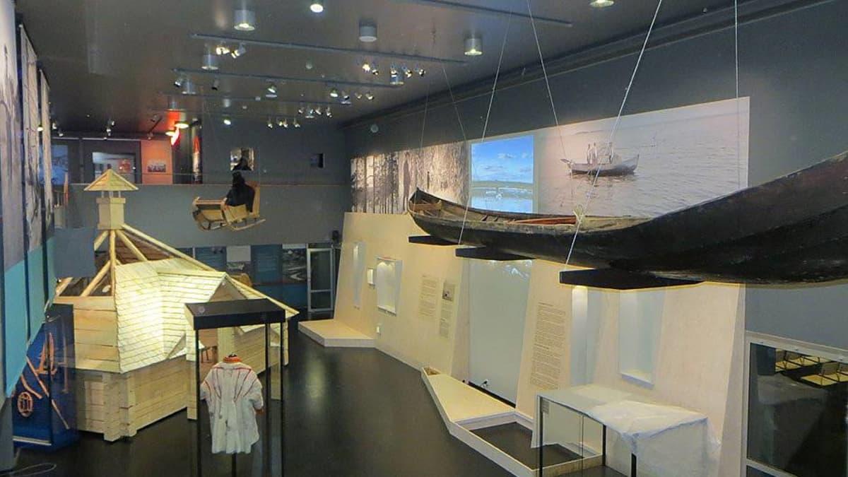 Tornionlaakson maakuntamuseon näyttelytila.