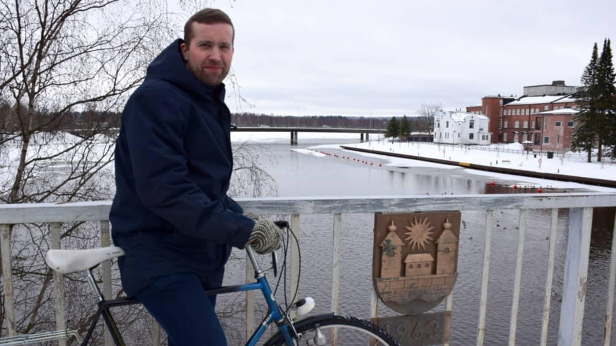 Juuso Heinisuo Viipurintien sillalla Hämeenlinnassa