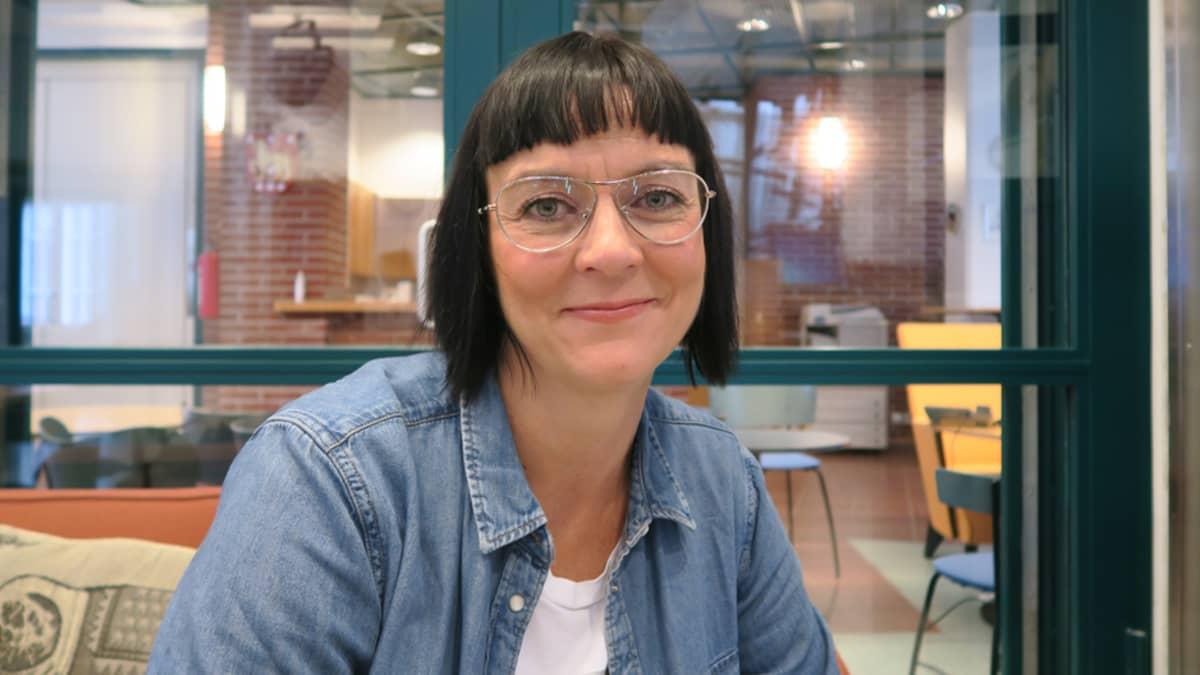 Optikko Anna-Liisa Lötjönen