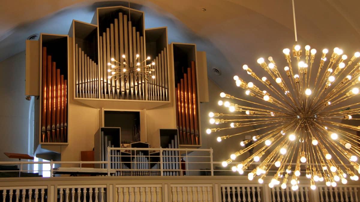 Joutsenon kirkon urut