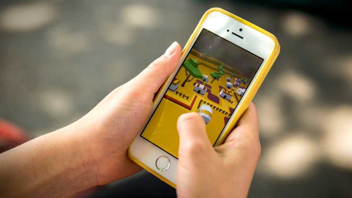 Mobiilipeli kännykässä