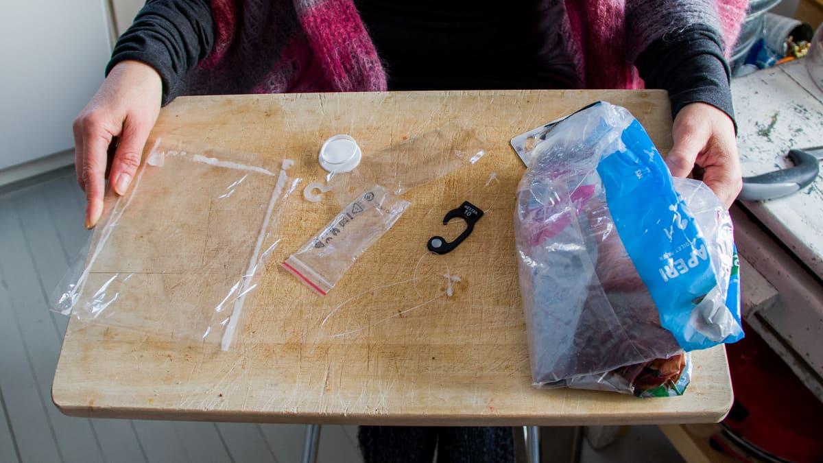 Satu Lapinlammen kuukauden aikana tuottama muovijäte.