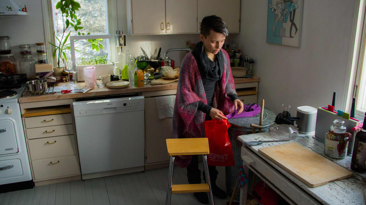 Satu Lapinlampi yritti elää mahdollisimman muovittomasti yhden kuukauden.