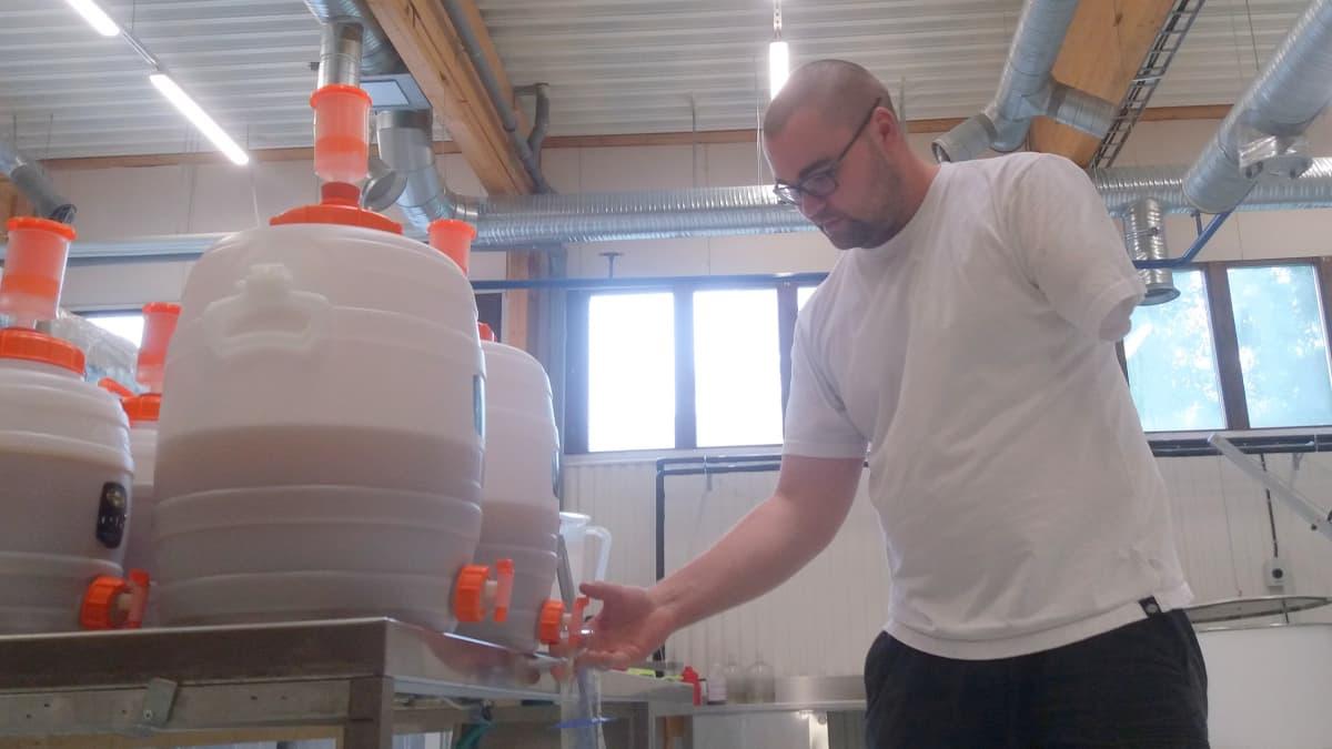 Olutta testaustynnyreissä. Iiro Heikkilä. Nilkko Brewing.