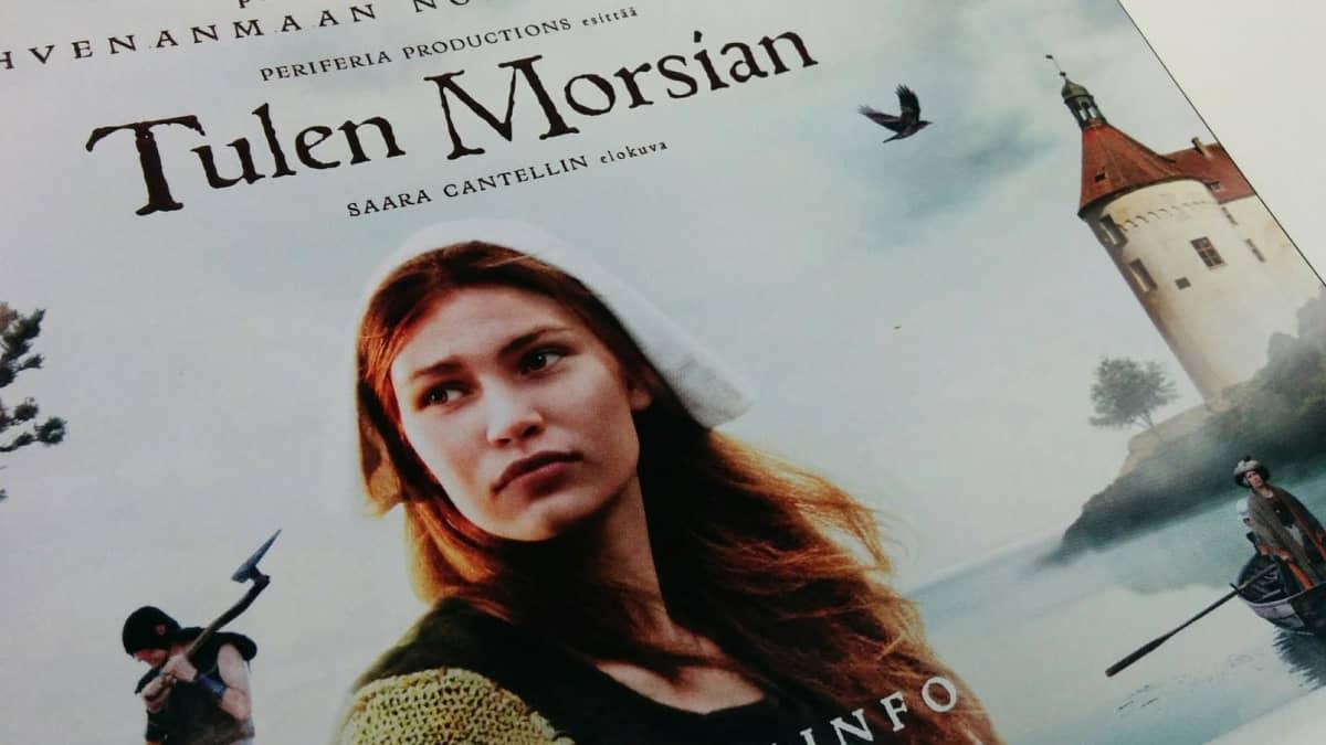 Saara Cantellin Tulen morsian -elokuva ensi-illassa perjantaina 9.9.2016. Kuva elokuvan esitteestä.