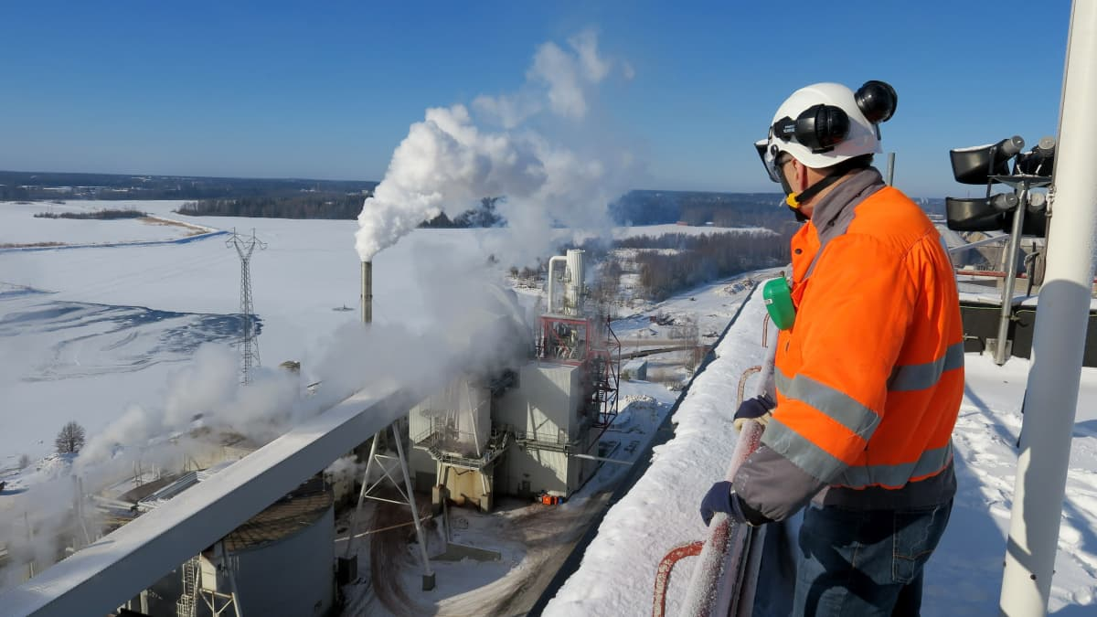 Sunilan tehtaan ligniinikuivaamo ylhäältä katsottuna