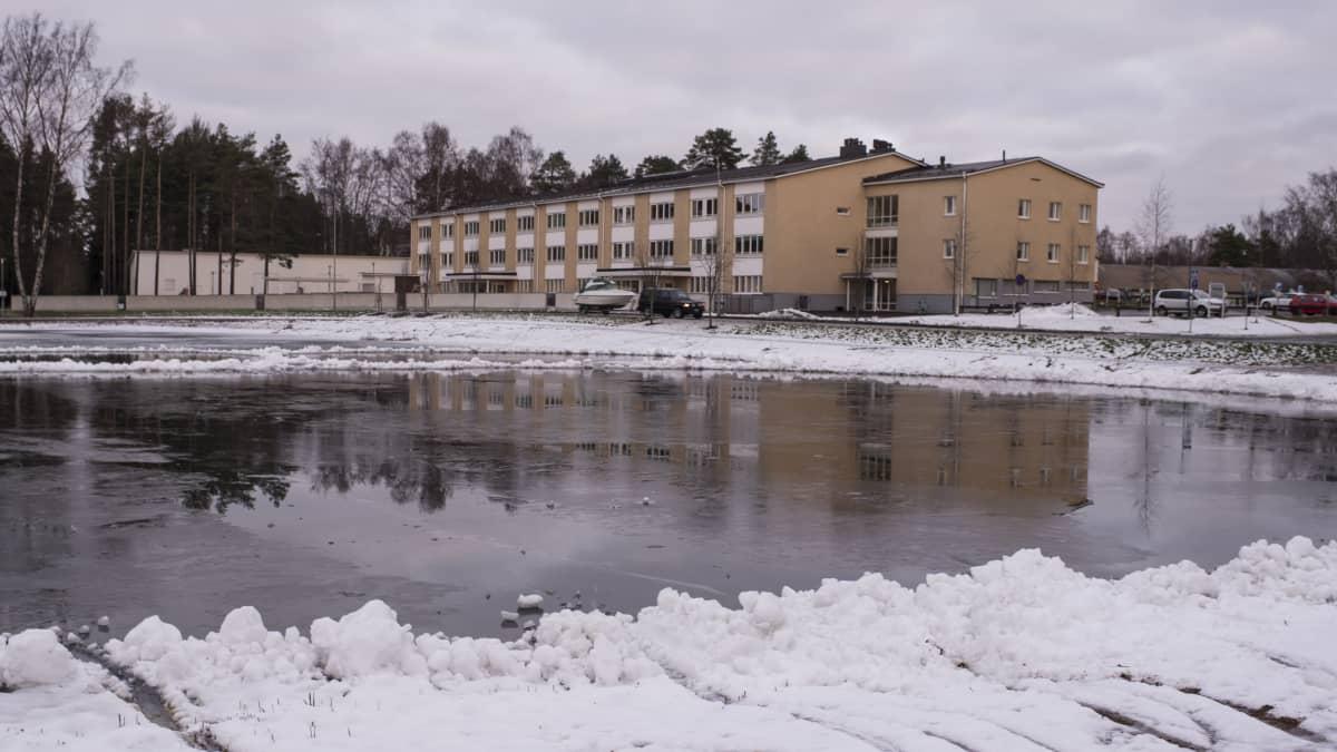 Karppilampi Kokkolan Pikiruukissa.