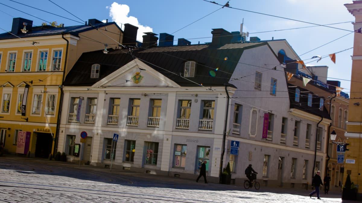 Helsingissä sijaitseva Sederholmin talo.