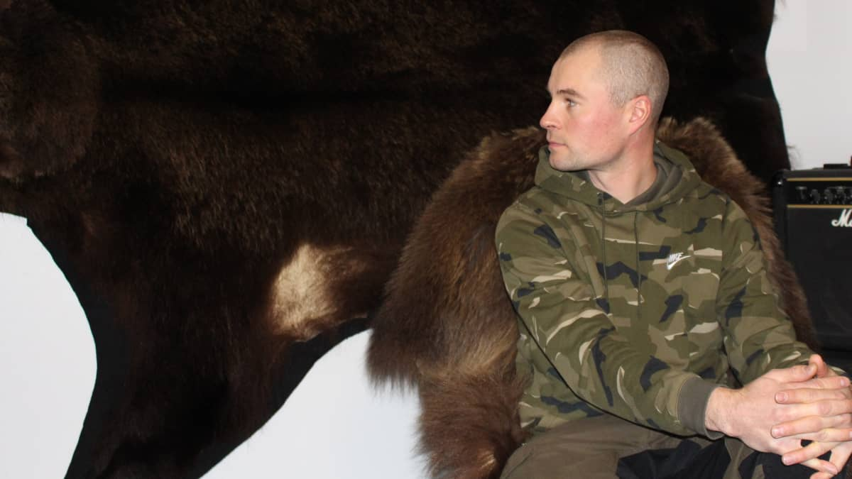 karhunmetsästäjä Tuomas Väänänen