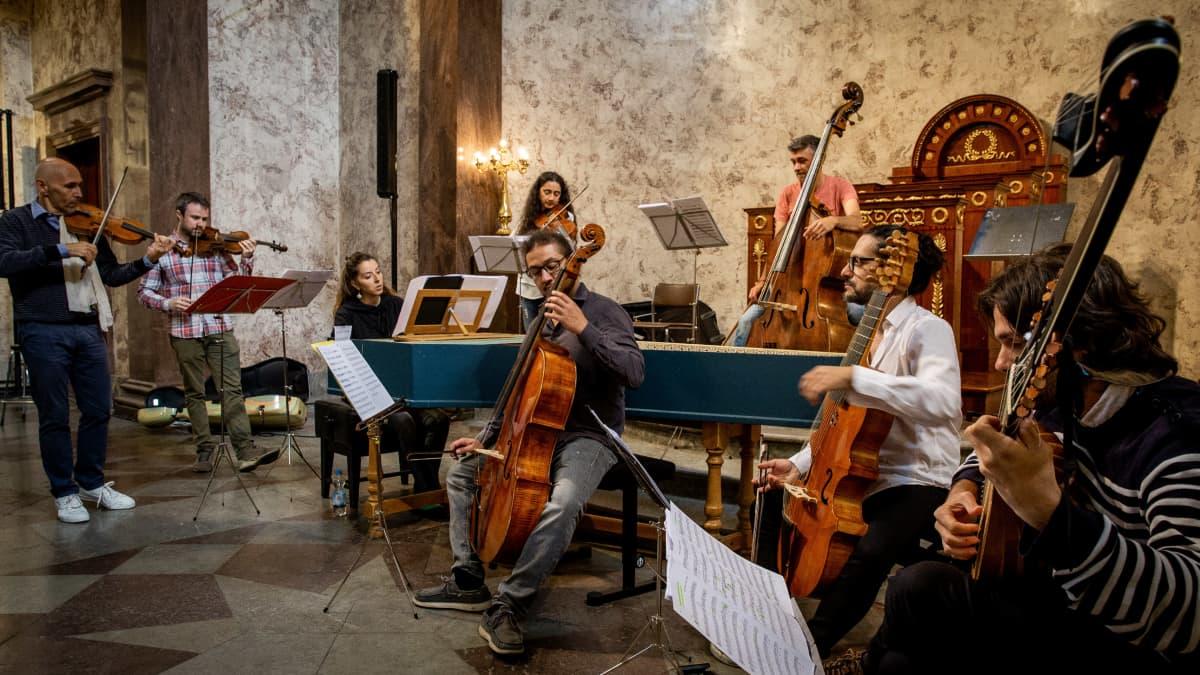 Barokkiorkesteri Il Pomo D'Oro -orkesteri soittaa Turussa muun muassa Monteverdiä.