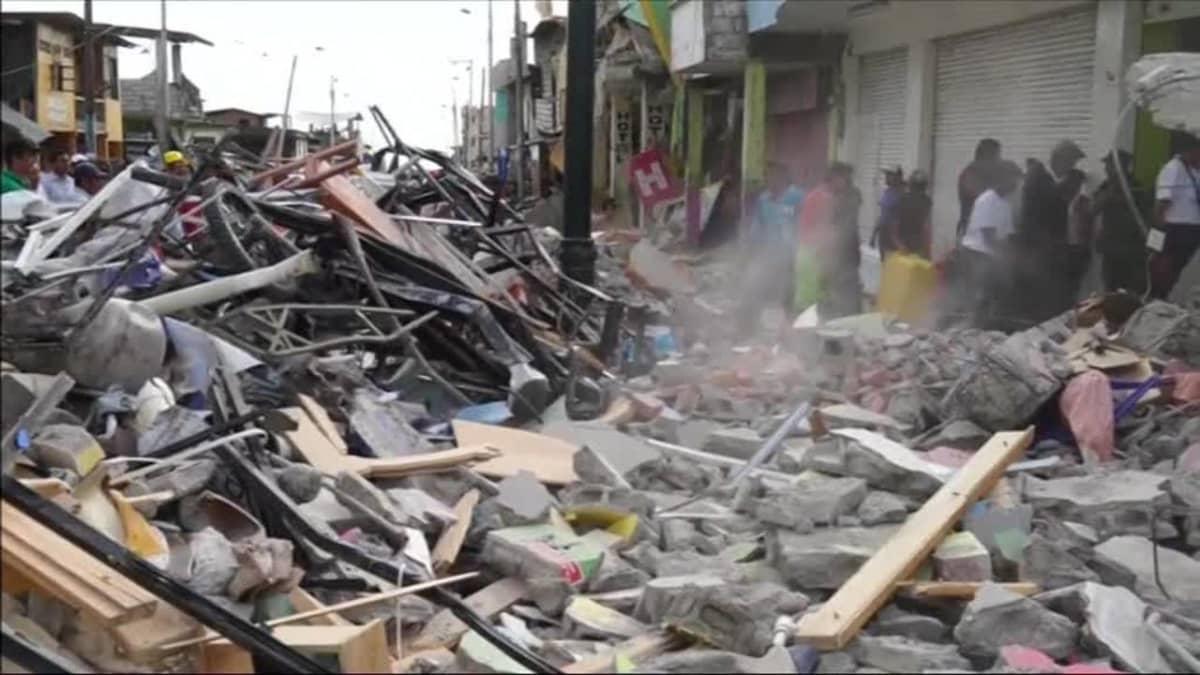 Uutisvideot: Maanjäristys raunioitti ecuadorilaiskaupungin