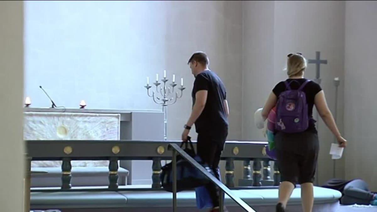 Uutisvideot: Päikkärit kirkossa -tapahtuma sai ihmiset rauhoittumaan